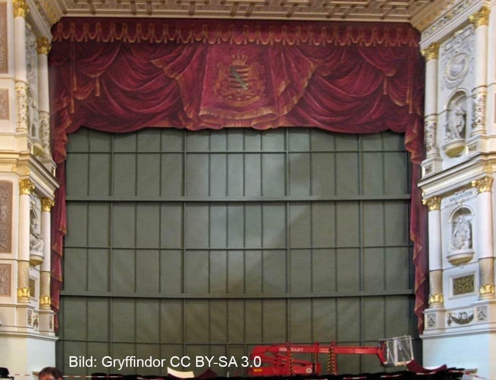 Der eiserne Vorhang in der Semperoper Dresden